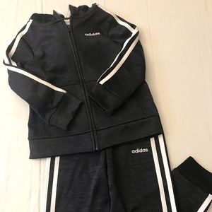 Adidas boys jump suit 4T black and white